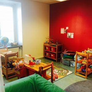 Bygg & konstruktionsstation - här bygger barnen med olika material, duplo, kaplastavar och klossar. Det finns bilar, tåg och tågbana.